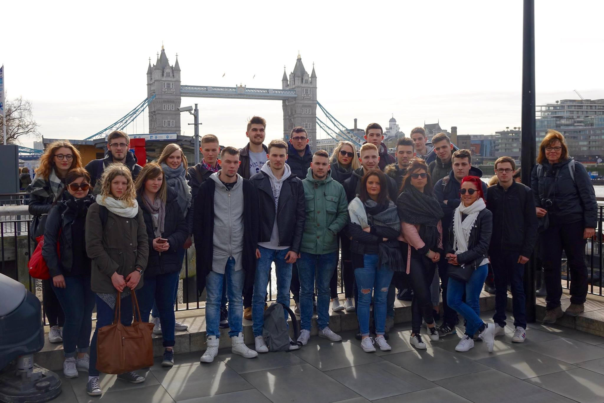 photo groupe tc tower bridge
